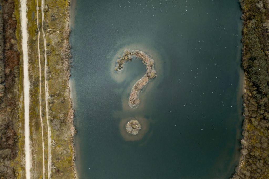Strange sign in the middle of a lake